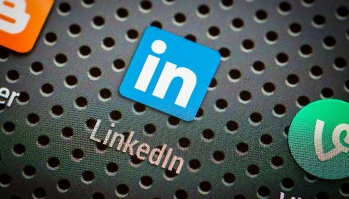 LinkedIn logo .eClincher, social media management tool