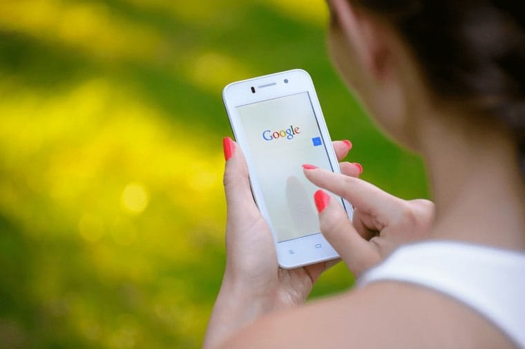How-to-Select-Topics-for-Blog-Writing-google-is-your-friend-min